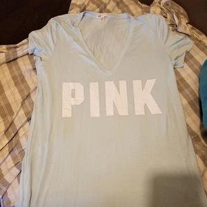 vs pink blue tee